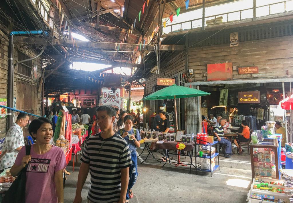 'ตลาดบ้านใหม่ 100 ปี' เมืองแปดริ้ว ชุมชนริมน้ำ และความทรงจำที่ยังคงอยู่ของคนที่นี่