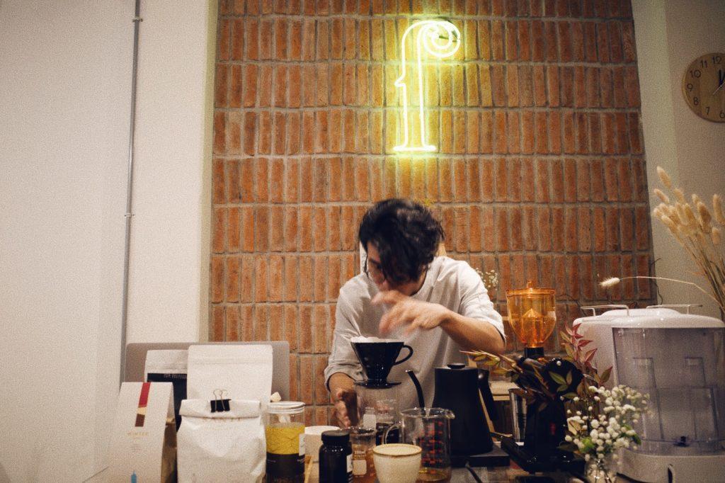 Sunflower / ſ  : คาเฟ่วันเสาร์ ที่ถ้าเหงาก็มาดริปกาแฟคุยกันได้