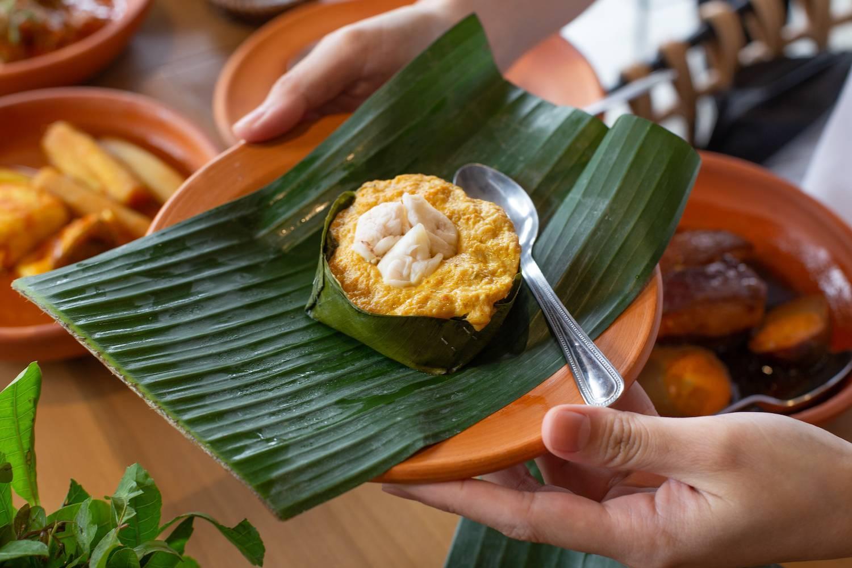 'พริกหยวก' ร้านข้าวแกงที่เชื่อว่าการได้เลือกอาหารเยอะๆ คือความสนุกและละเมียดละไมในการกิน