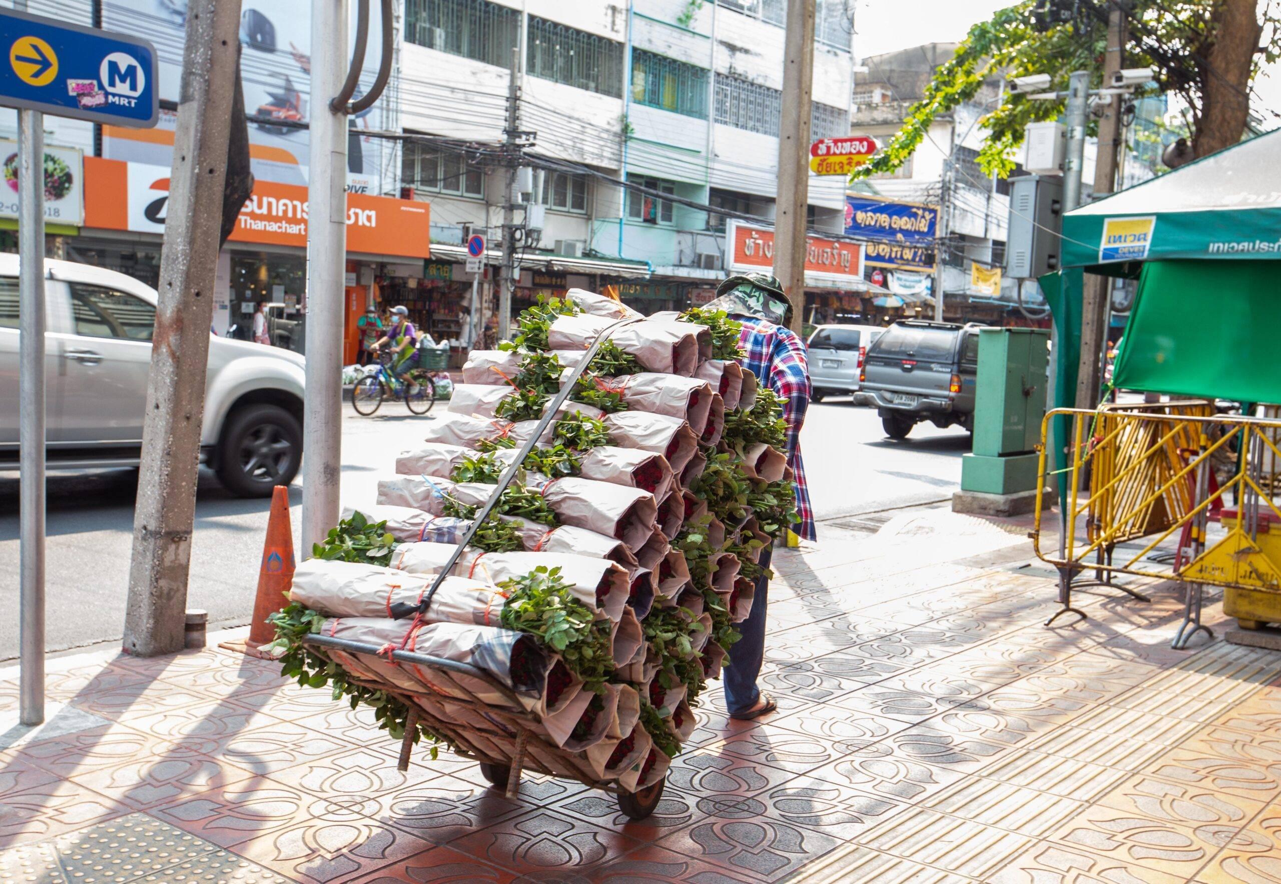 Flower Matter   คุยกับนักออกแบบที่บ้านของนักจัดดอกไม้ ถึงความเป็นไปได้เรื่องการจัดการ Waste จากดอกไม้อย่างยั่งยืน