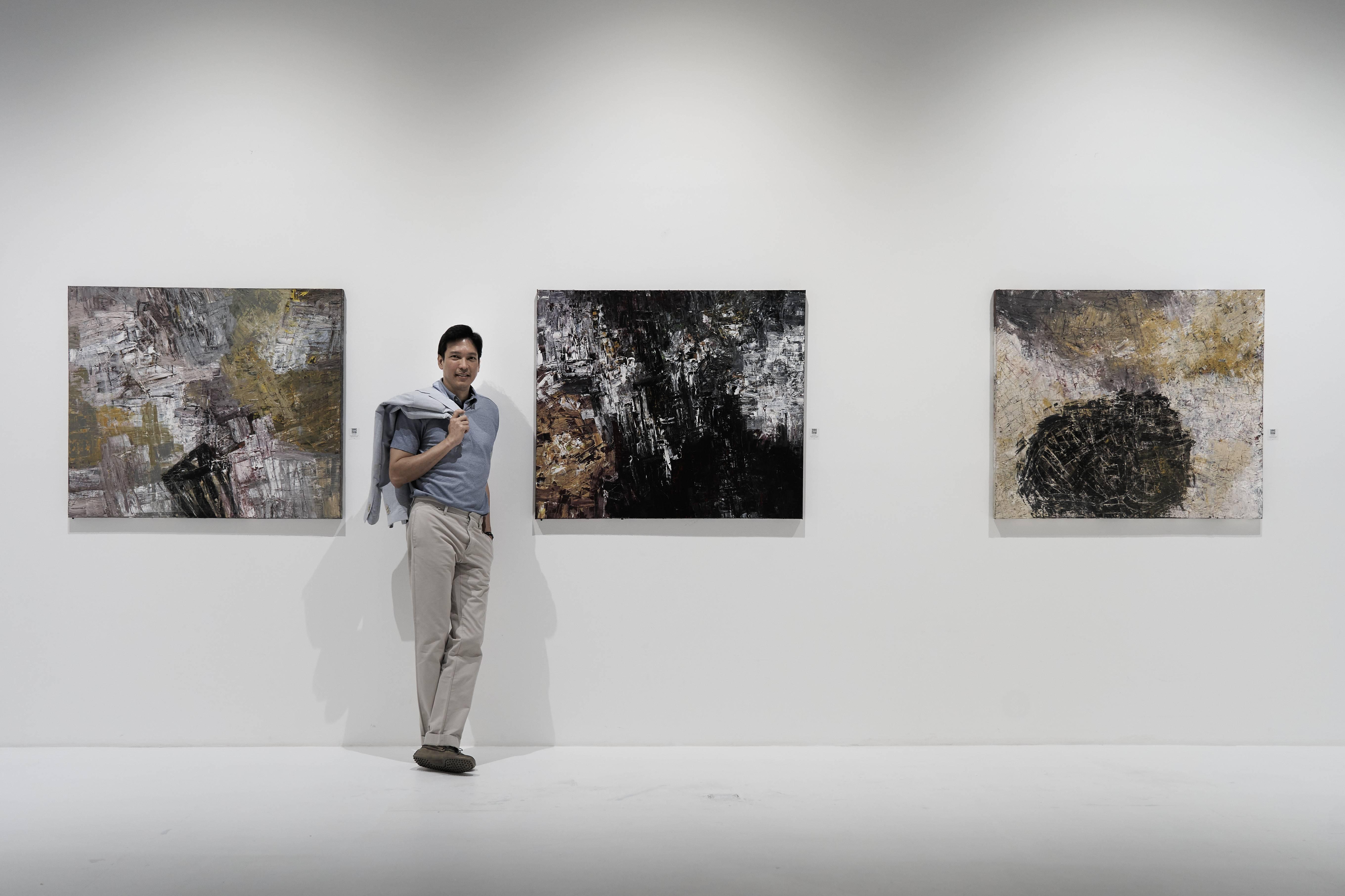 'IMPETUS' ผลงาน Abstract จากฝีแปรงของ 'รวิชญ์ เทิดวงส์' ที่หวนกลับมาแสดงครั้งแรกในรอบ 20 ปี